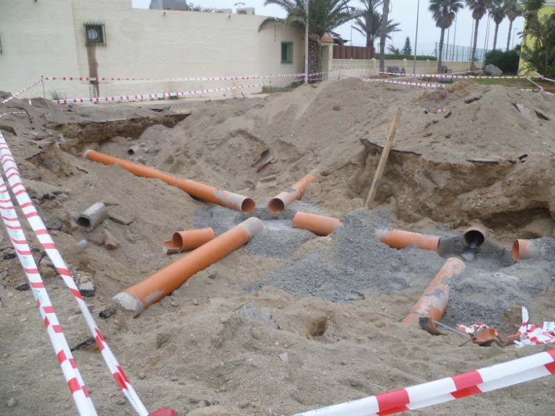 OBRAS HIDRAÚLICAS Red de Pluviales y Cámara de Tormentas en Avda Sabinar y adyacentes en Roquetas de Mar
